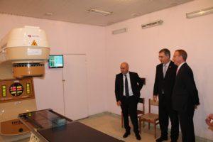 Slavnostní spuštění nového zdroje záření v kobaltovém ozařovači v Gruzii