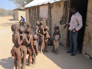 Jan Klíma - Děti namibijských Himbů by si zasloužily lepší školu