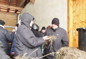 Srbští zemědělci se seznamují s prostředím českých farem